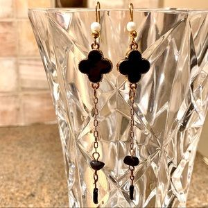 Black & Gold Clover Dangling Earrings w/Pearl NWT